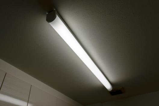 工事不要のLED照明はリスクが高い