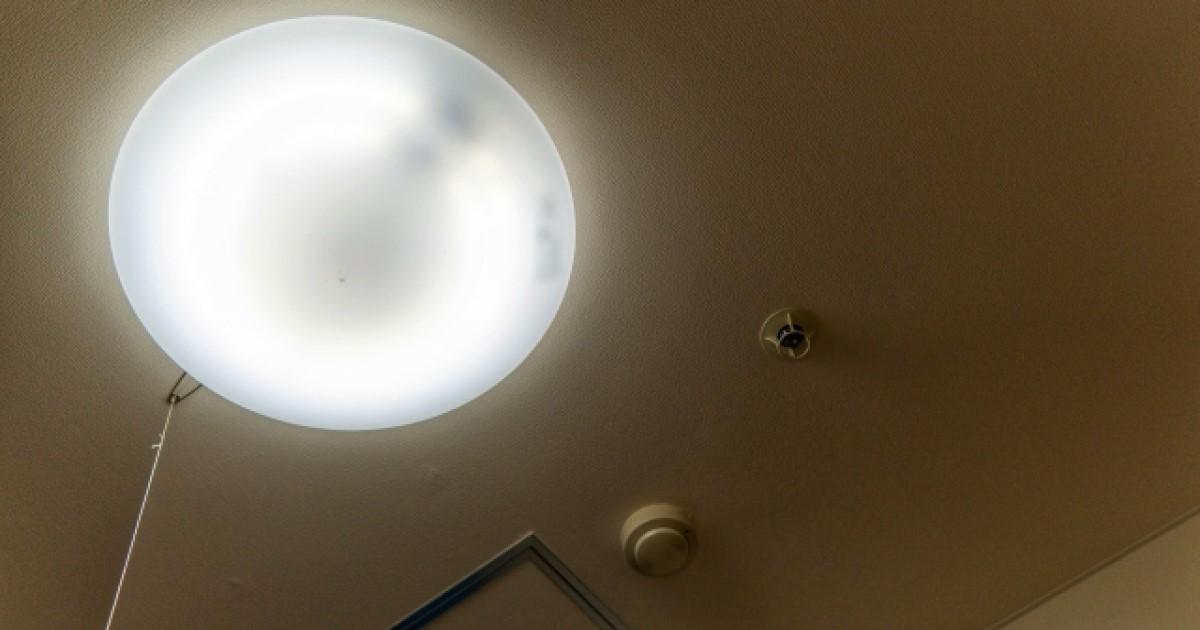 シーリングライトの交換方法をご紹介!蛍光灯からLEDにする魅力も