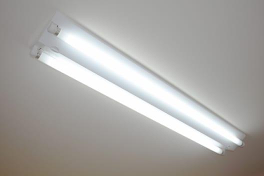 直管型LED蛍光灯の種類は4つ 直管型LED蛍光灯の種類はおもに4つありま
