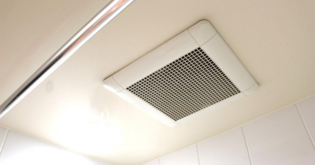 トイレや浴室の換気扇取り付け方法とは?DIYは資格が必要