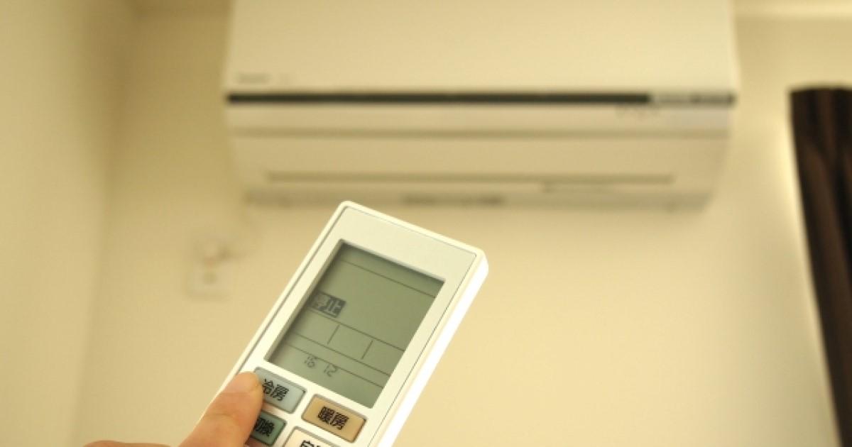 エアコンのガスを補充する方法!漏れる原因と業者での修理料金を解説