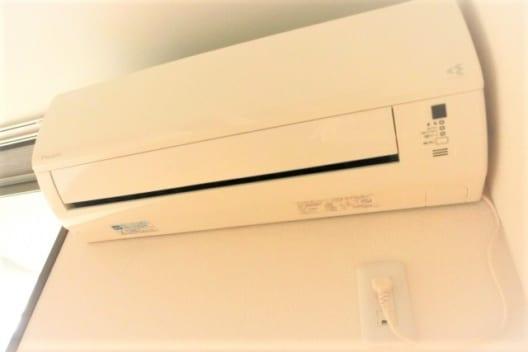 エアコンの取り外しを業者に依頼した場合の料金相場