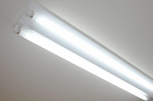 (1)直管型蛍光灯の取り外し方法