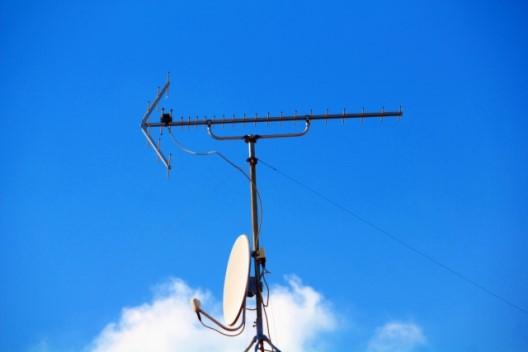 アンテナの修理はどこに依頼できる?