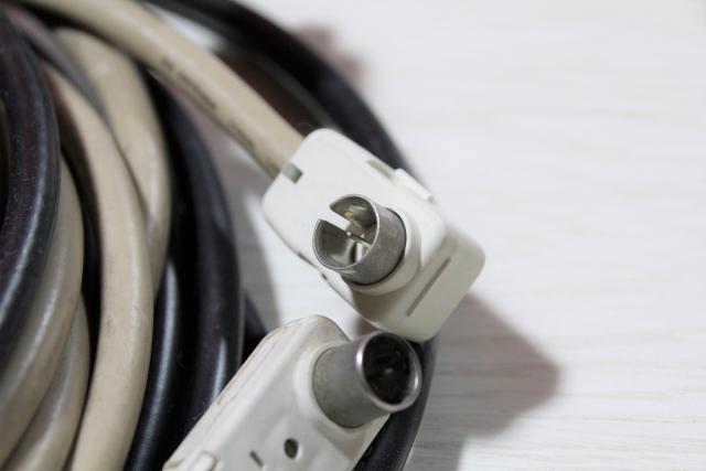 用意するもの1:延長用のアンテナケーブル