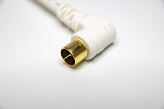 方法1:アンテナから直接ケーブルを引き込む